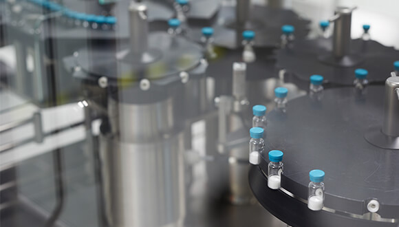 Flexible filling capabilities for lyophilized vials